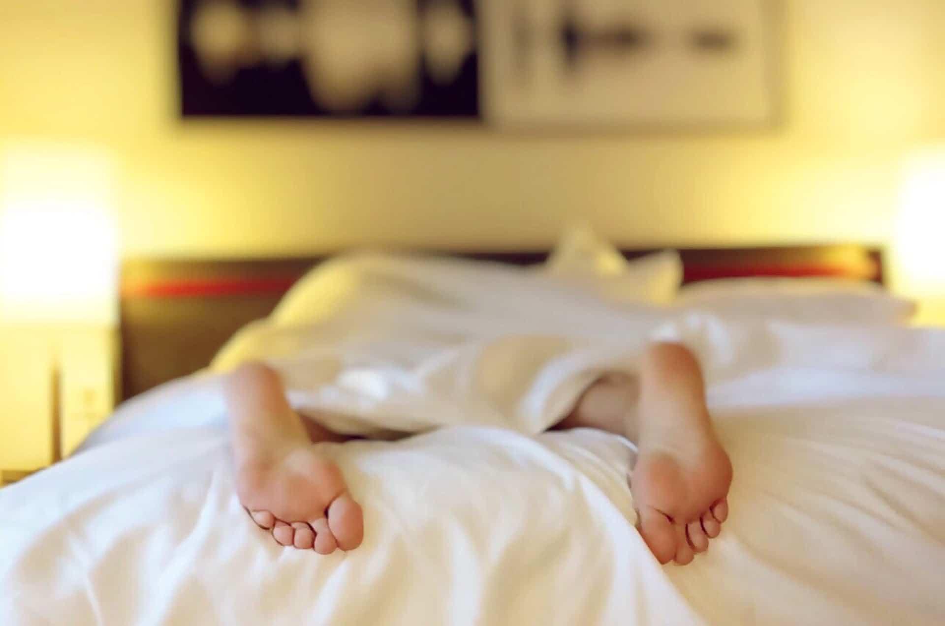 Voeten slapend persoon